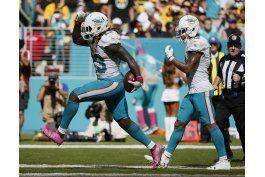 ajayi corre para 214 yardas y dolphins vencen a bills