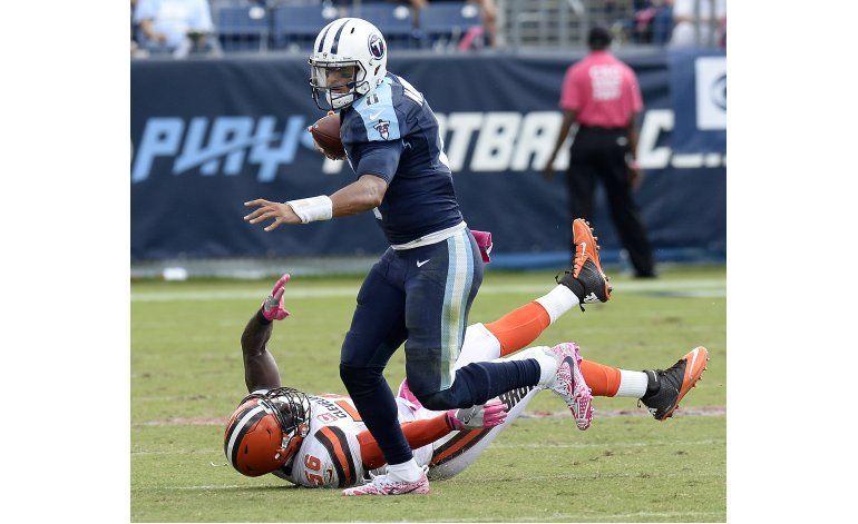 Mariota lanza 3 pases de touchdown en victoria de Titans