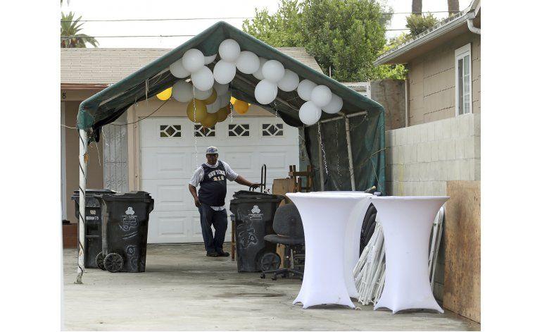 Policía de LA arresta a dos sospechosos de balacera fatal
