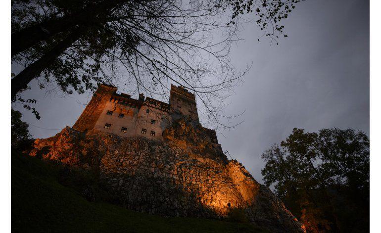 El castillo de Drácula en Transilvania abre por Halloween