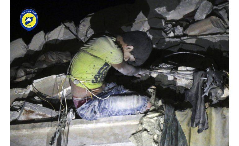 Mueren 36 personas en bombardeo a barrio rebelde de Alepo