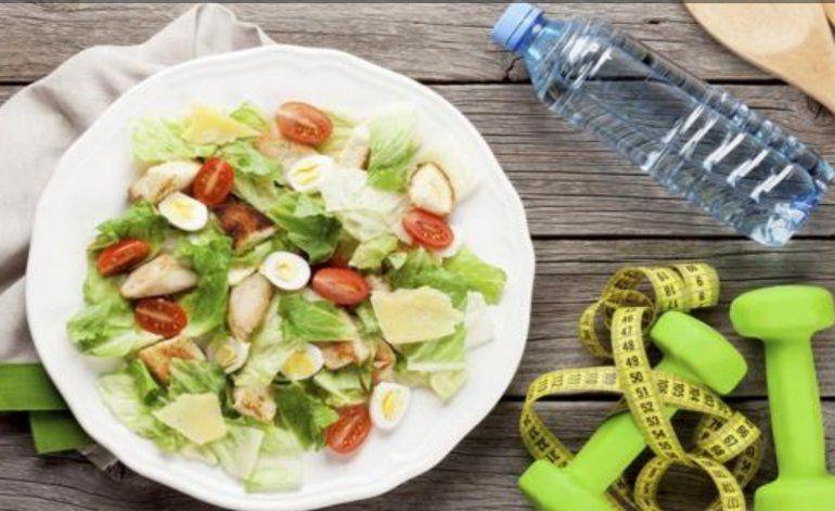 Por qué tomar agua previene la obesidad