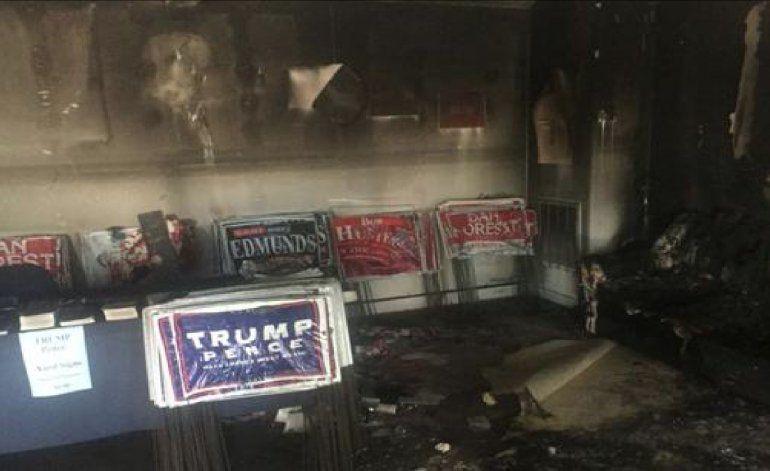 Atacaron con una bomba molotov a una sede de los republicanos y Donald Trump culpó a los animales que apoyan a Hillary Clinton