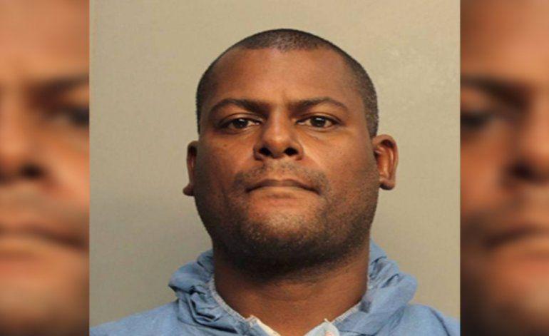 Compareció en corte un hombre acusado de asesinar a tiros a su padrastro