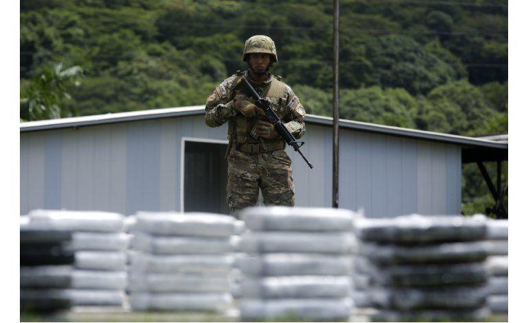 Panamá decomisa más de dos toneladas de cocaína