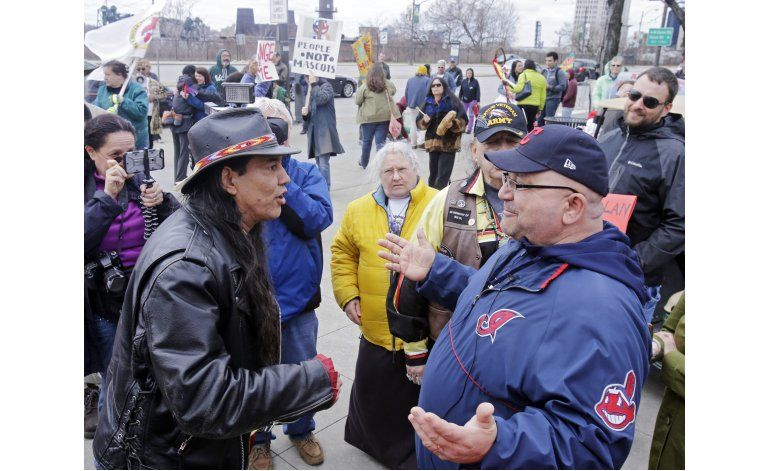 Juez en Ontario se niega a prohibir nombre y logo de Indios