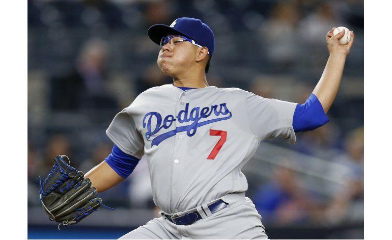 El novato Julio Urías abrirá el 4to juego por los Dodgers