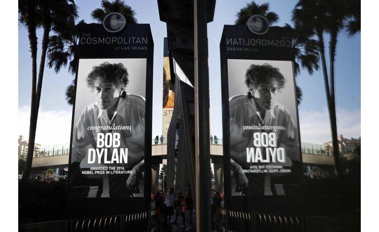 Jueces del Nobel no han podido contactar a Bob Dylan