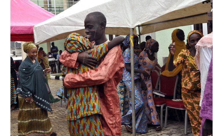 Cien niñas quieren quedarse con Boko Haram, dice líder local