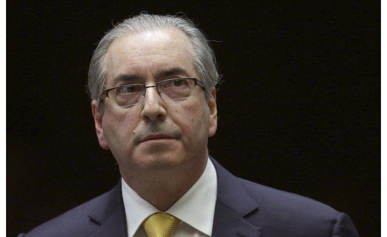 Arrestan a legislador que encabezó destitución de Rousseff