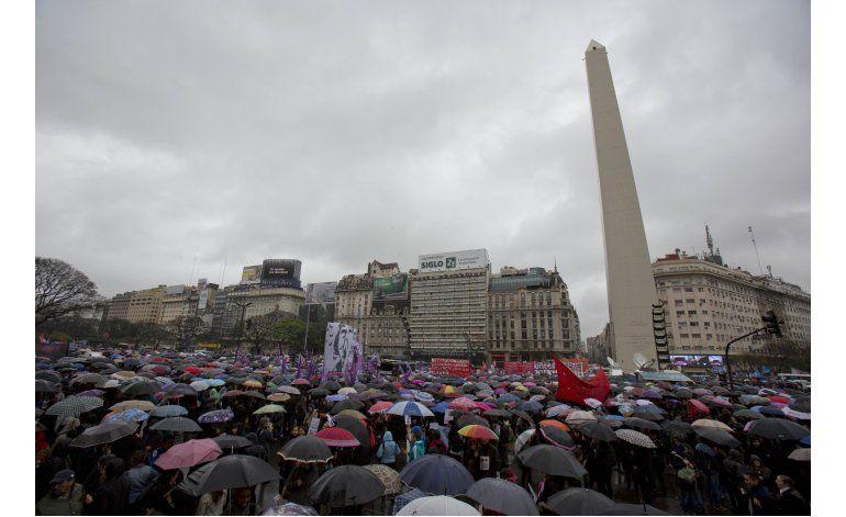 Crimen de argentina viste de luto a mujeres de Latinoamérica