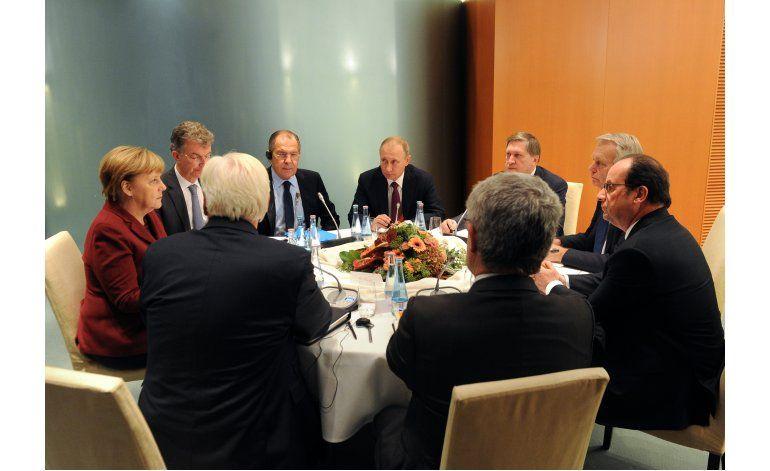 Putin dispuesto a suspender ataques en Alepo por más tiempo