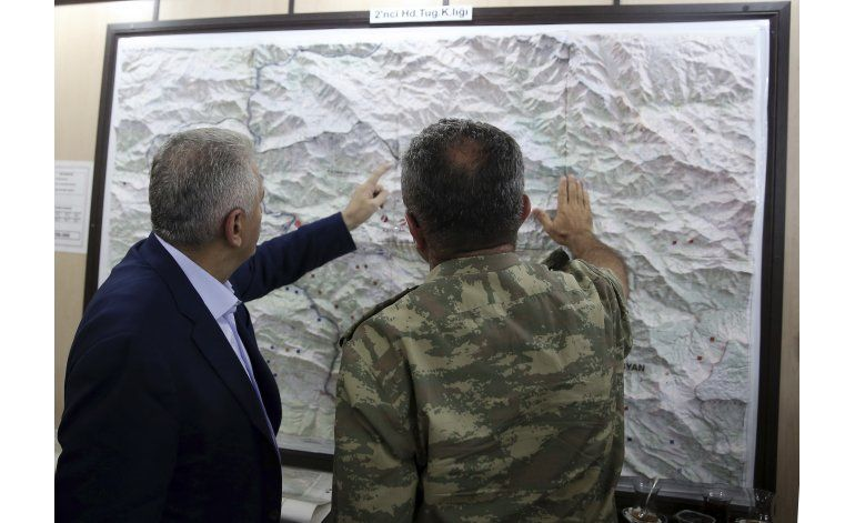 Turquía intensifica campaña contra curdos sirios
