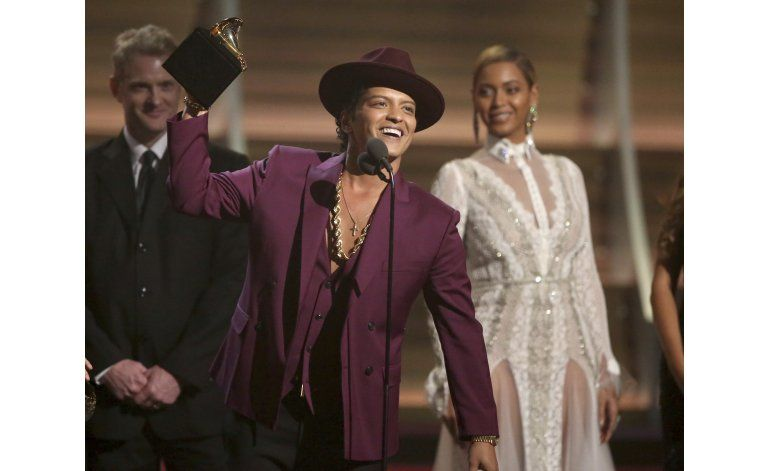Bruno Mars vuelve a prender la fiesta con 24K Magic