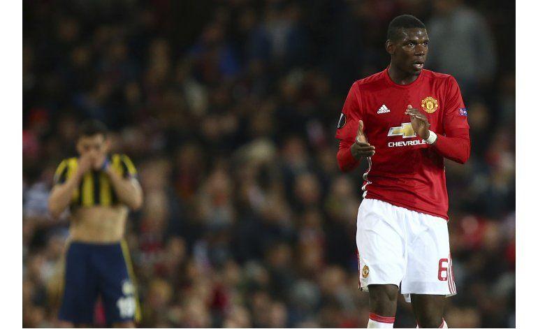 Pogba brilla, en triunfo del United en la Liga Europa