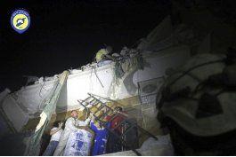 gobierno sirio abre una salida de alepo para evacuaciones
