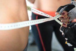aerobicos vs. pesas: ¿que tipo de entrenamiento es mejor para perder grasa?