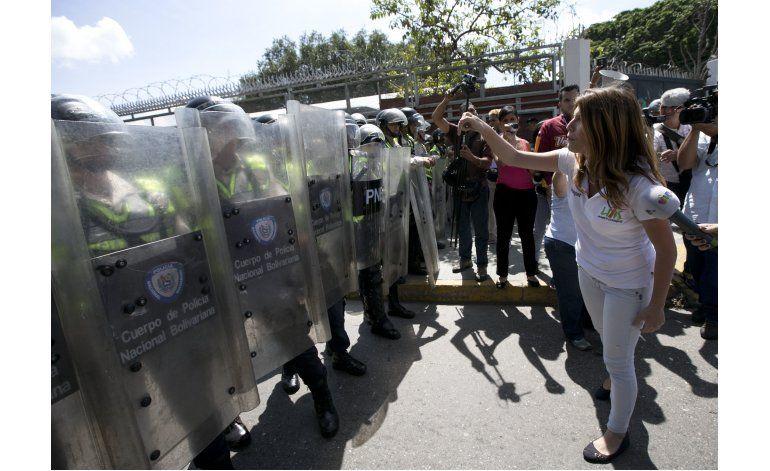 Oposición denuncia prácticas dictatoriales en Venezuela