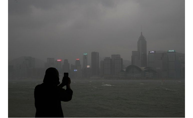 Desalojan a 50.000 personas en China al acercarse tifón