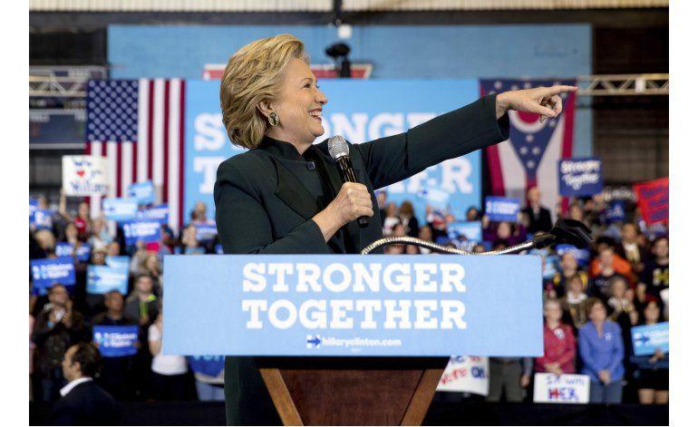 Nuevo anuncio de Clinton en TV golpea duro a Trump
