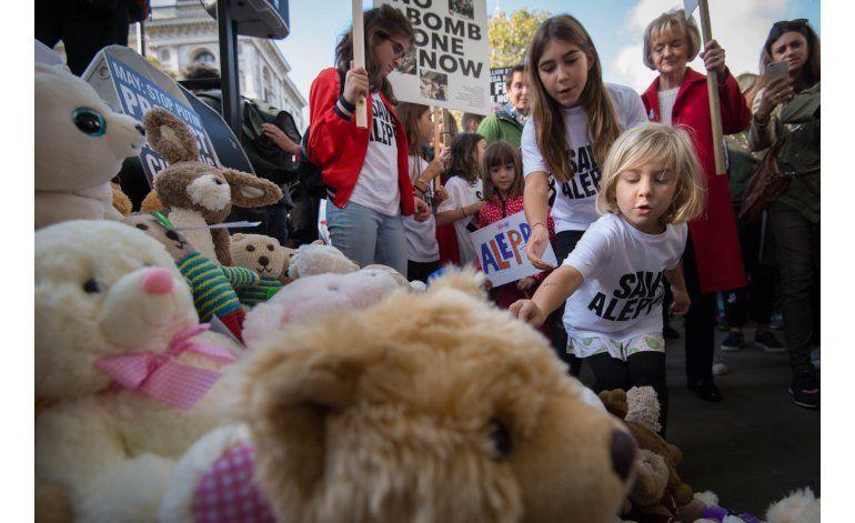 Protesta en Londres contra bombardeos en Siria