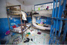 escapan de prision cerca de 100 reos en haiti