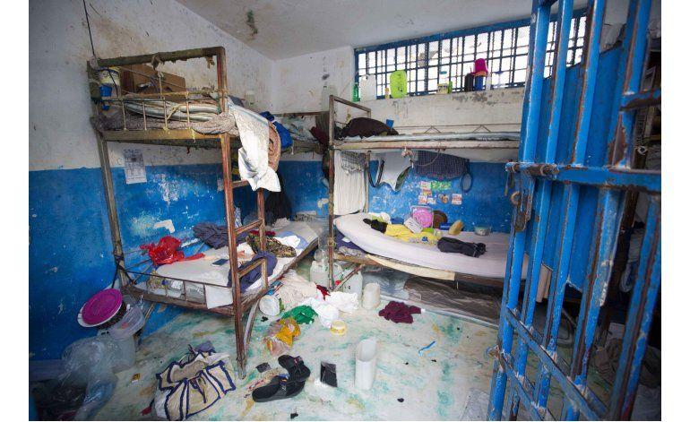 Escapan de prisión cerca de 100 reos en Haití