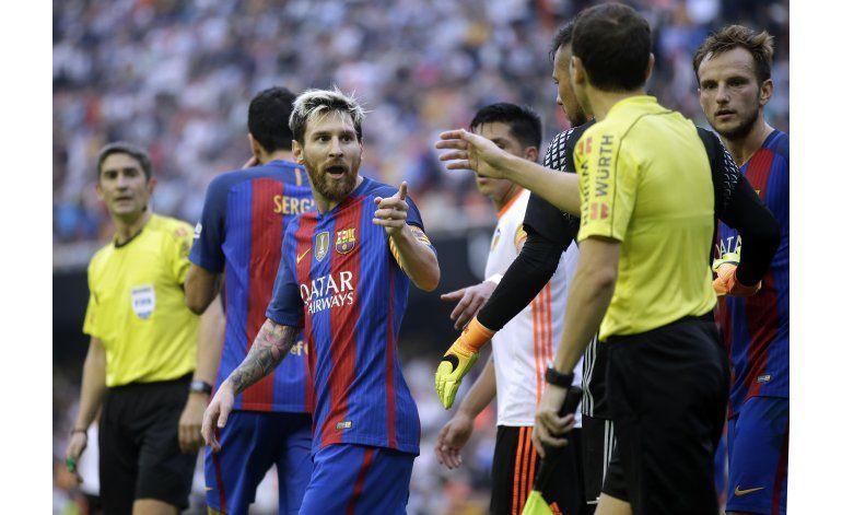 Prandelli: No sorprende arbitraje a favor de Barcelona