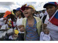 venezuela: legisladores proponen demandar a maduro