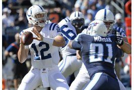 luck sigue perfecto ante titans, colts se imponen 34-26