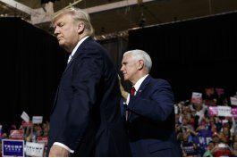 clinton mira mas alla de trump y apoya a otros democratas