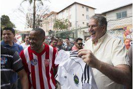 brasil: dos candidatos vinculados a futbol disputan alcaldia