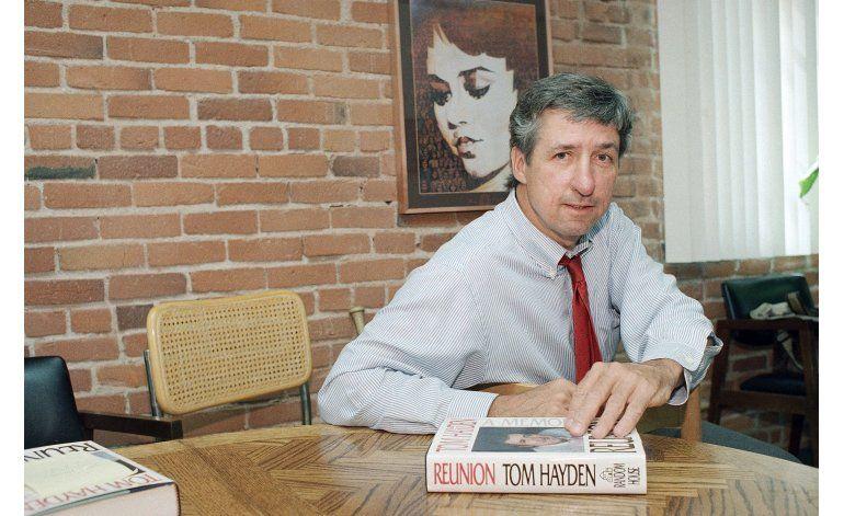 Fallece el activista antibélico Tom Hayden a los 76 años