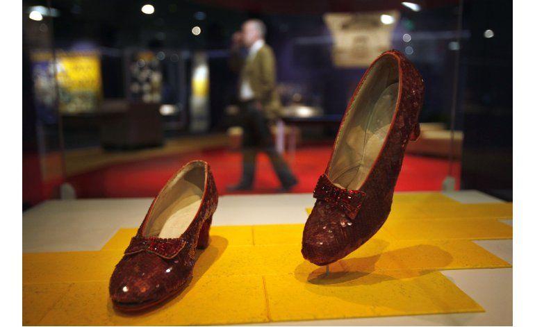 Smithsonian alcanza meta de $300.000 para zapatillas de rubí