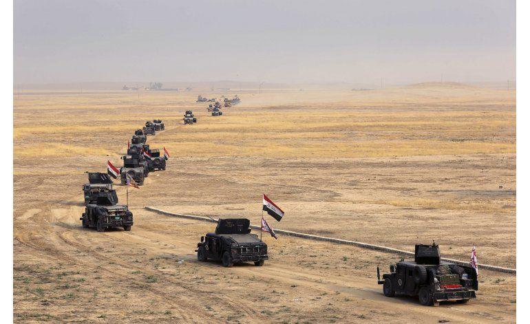Iraquíes avanzan a Mosul; piden investigación de ataque