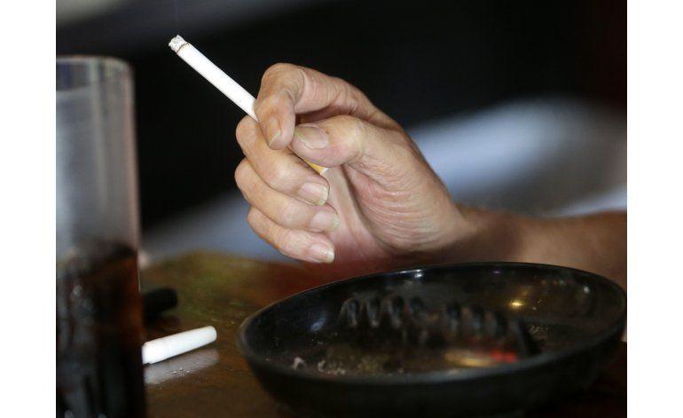 EEUU: Vinculan un cuarto de muertes de cáncer a fumar