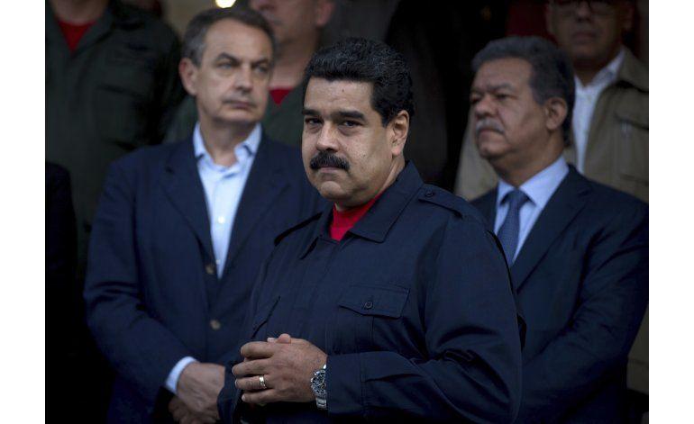 Anuncian diálogo entre la oposición y el gobierno de Maduro