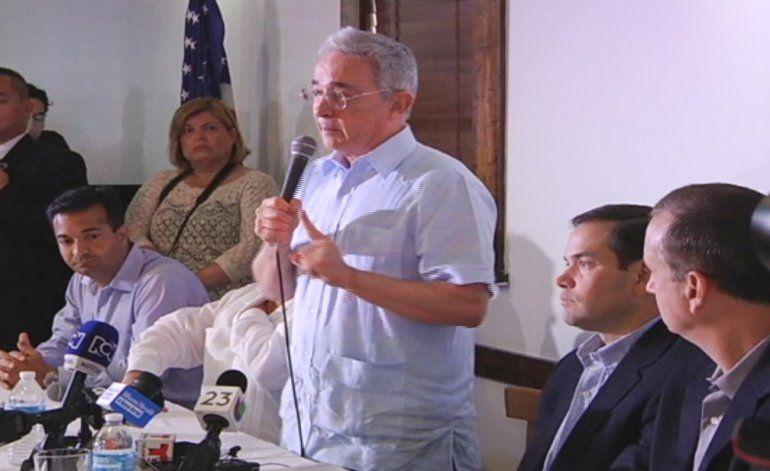 Álvaro Uribe solicitó apoyo internacional para impedir que Colombia se convierta en otra Venezuela