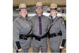 madre e hija son policias estatales de nueva york