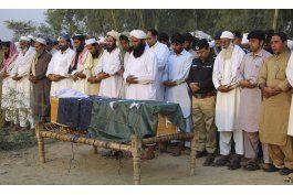atacan academia de policia en pakistan; hay 48 muertos