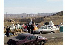 activistas acampan en ruta de un oleoducto en north dakota