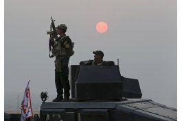 tropas iraquies combaten al estado islamico lejos de mosul