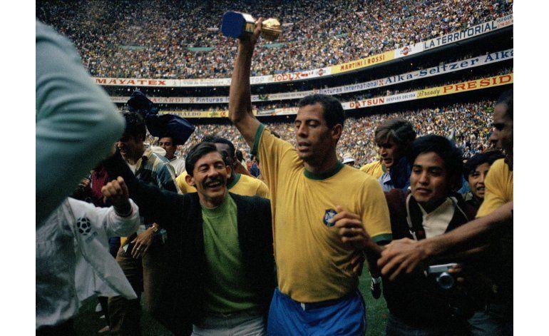 Fallece Carlos Alberto, leyenda de la selección brasileña