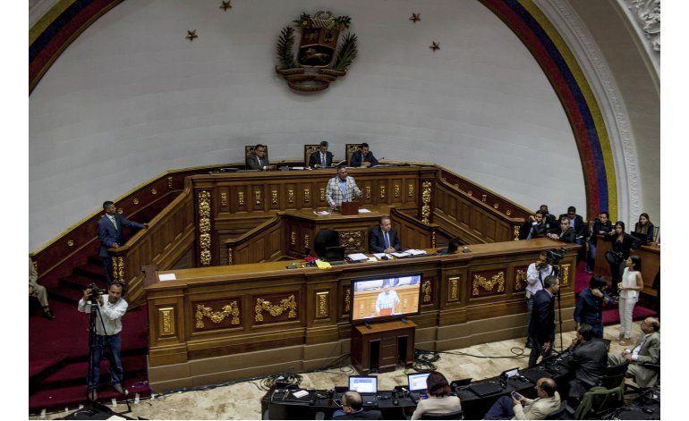 Venezuela: Oposición pone en duda ciudadanía de Maduro