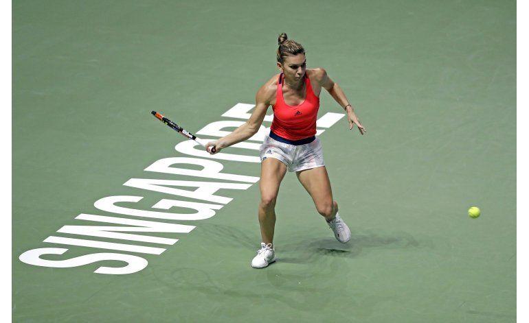 Kerber vence a Halep y sigue invicta en Copa WTA
