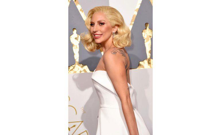 Una Lady Gaga despojada y emotiva cobra vida en Joanne