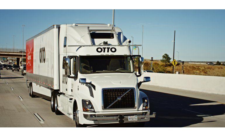 EEUU: Camión autónomo viaja 193 km para realizar entrega