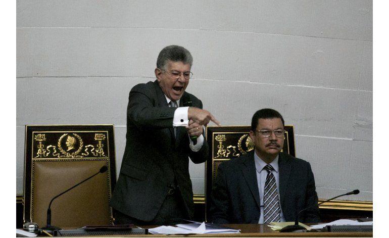 Asamblea resuelve iniciar juicio político a Nicolás Maduro