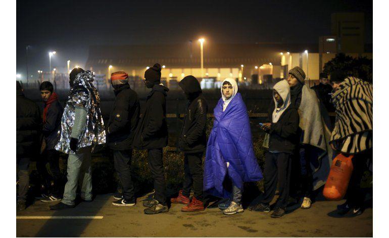 Francia declara vacío el campamento de migrantes de Calais