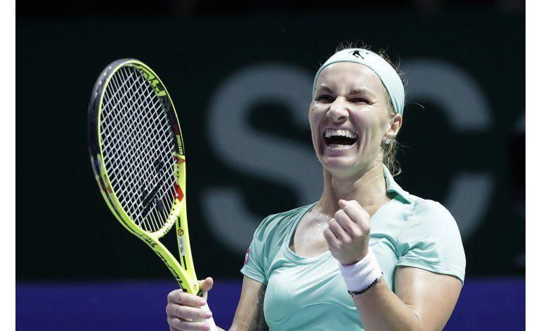 Kuznetsova avanza a semifinales de Copa WTA